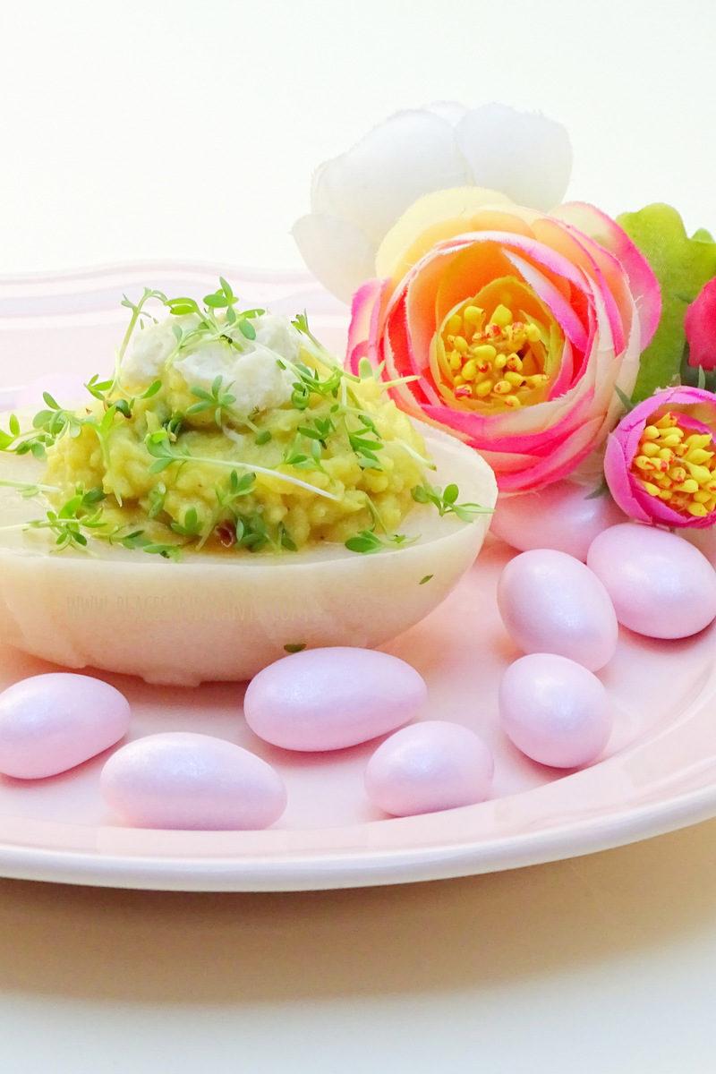 wegańskie jajka faszerowane