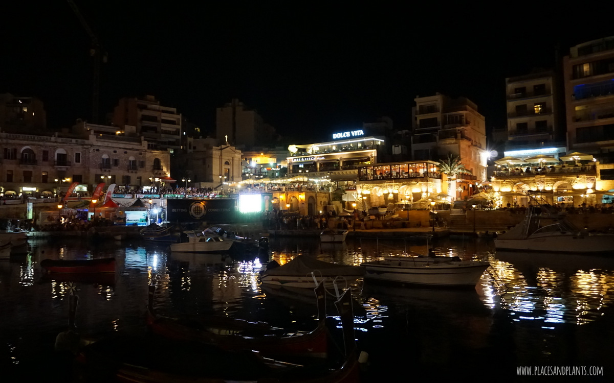 Miejsca na Malcie Malta nocą